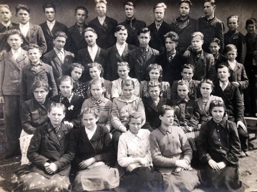 Випуск учнів 7 класу Гопчицької школи, 1952 рік