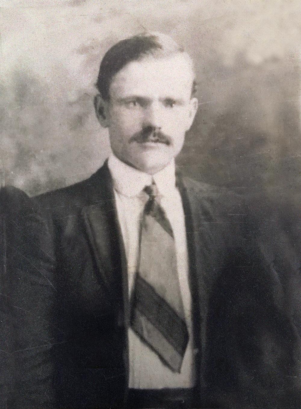 Кириченко Мусій - перший голова сільської ради Гопчиці.