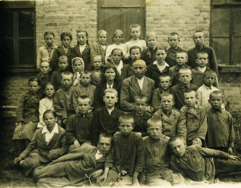 Учні і вчителі Гопчицької школи, 1948 рік