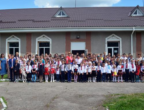 День вишиванки в Гопчиці: парад вишиванок, майстер-класи, виставки і танці