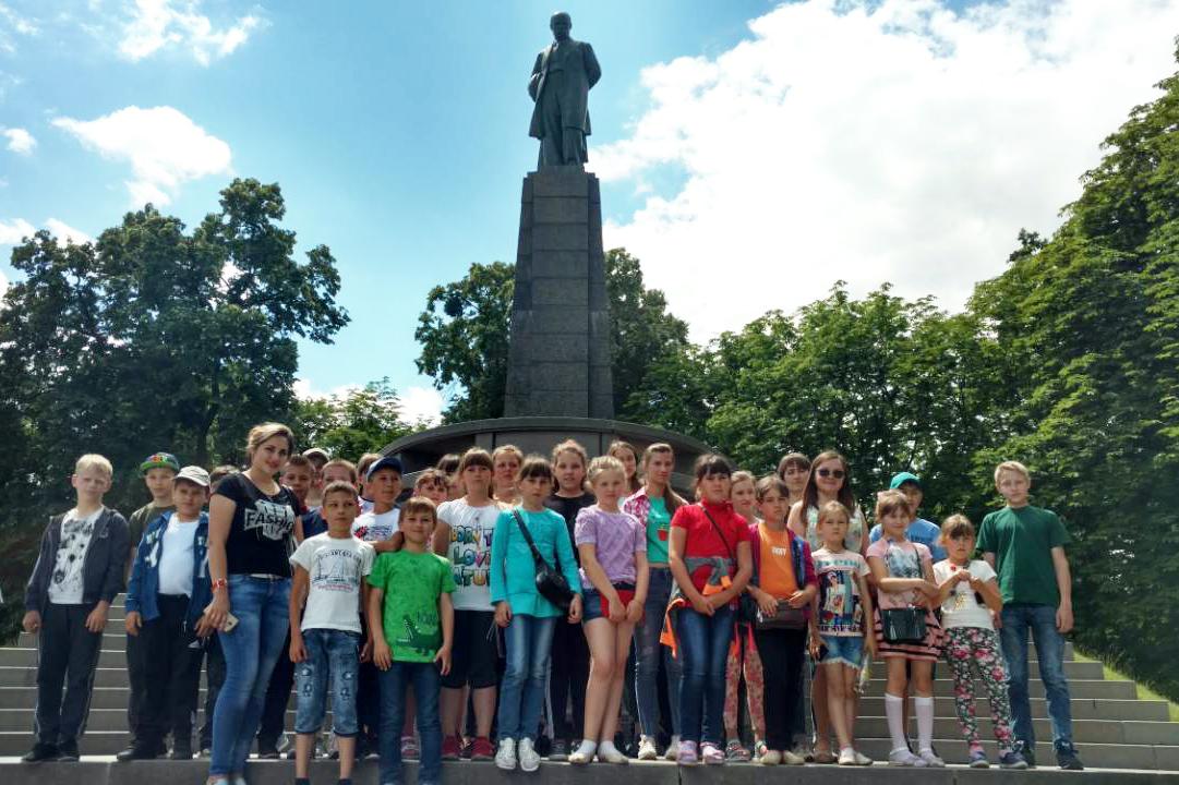 Гопчицькі учні відвідали музей Шевченка в Каневі