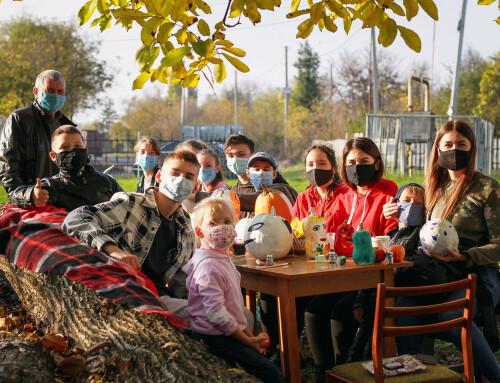 В Гопчиці провели майстер-клас для дітей із розпису гарбузів